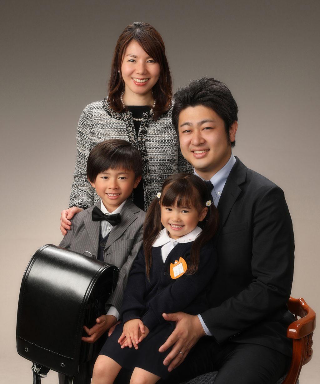 入園・入学記念写真撮影例(家族)横浜そごう写真館